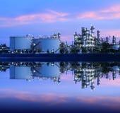 Reflexion der petrochemischen Industrie. Stockbild
