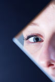 Reflexion des blauen Auges Stockbild