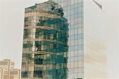 Reflexion eines Geschäftszentrums lizenzfreies stockfoto