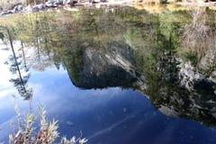 Reflexion för norr kupol och Washington kolonn i spegel sjön, Yosemite nationalpark, Kalifornien Royaltyfri Fotografi