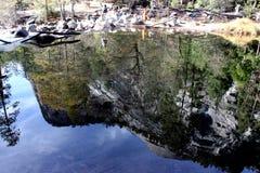 Reflexion för norr kupol och Washington kolonn i spegel sjön, Yosemite nationalpark, Kalifornien Arkivfoto