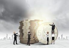 reflexion för pengar för begreppsgodshus verklig Fotografering för Bildbyråer