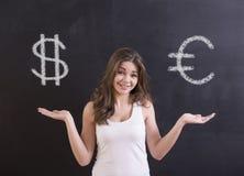 reflexion för pengar för begreppsgodshus verklig royaltyfri bild