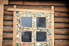 Reflexion i ett sagolikt fönster arkivfoton