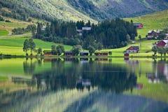 Reflexion Norwegens - Fjord Lizenzfreies Stockfoto