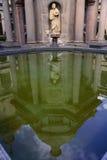 Reflexion på dammet i El Escorial, Madrid Arkivbild