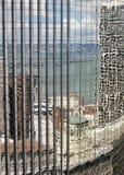Reflexion på modern kontorsbyggnad Royaltyfri Fotografi