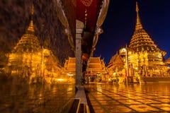 Reflexion von Doi-suthep Tempel Lizenzfreie Stockbilder