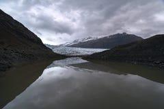 Reflexion von Glazial- Zunge Flaajokull in Island Stockfoto