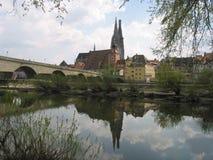 Reflexion von Regensburg, Deutschland stockfotos