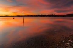 Reflexionen über dem See Lizenzfreies Stockbild