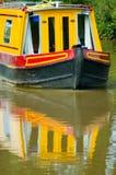 Reflexionen auf dem Kanal Stockbild