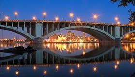 Reflexionen auf Fluss Stockbilder