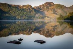 Reflexionen auf Llyn Crafnant III Stockfoto