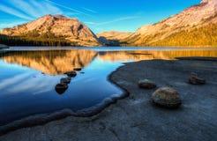Reflexionen auf Tenaya See Lizenzfreies Stockbild