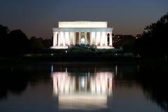 Reflexionen des Lincoln-Denkmals Stockbild