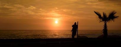Reflexionen durch das Meer stockbild