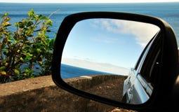 Reflexionen einer Küstenlinie Lizenzfreie Stockfotografie
