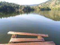 Reflexionen vom Dock Stockbild