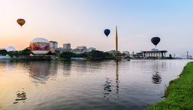 Reflexionen von 3 heißen Ballonen Lizenzfreie Stockfotos