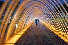 Reflexioner av bevattnatunnelen Arkivbilder