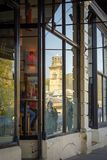 Reflexioner av världsarvet på Saltaire royaltyfria bilder