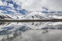 Reflexioner i bevattna Fotografering för Bildbyråer
