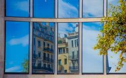Reflexioner i fönster Arkivfoto