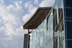Reflexioner i glass fönster Arkivfoto