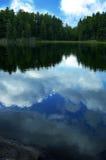 Reflexiones de la nube foto de archivo