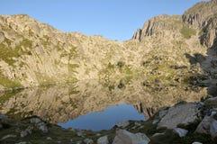Reflexiones de las montañas Foto de archivo libre de regalías