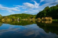 Reflexiones del lago spring Fotos de archivo