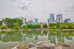 Reflexiones del paisaje urbano de Calgary Fotografía de archivo libre de regalías