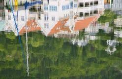 Reflexiones en Bryggen Imagen de archivo libre de regalías