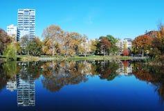 Reflexiones en Central Park Imagenes de archivo