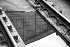 Reflexiones en el ferrocarril Fotos de archivo libres de regalías