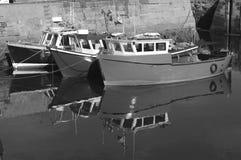 Reflexiones en el puerto fotos de archivo
