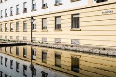 Reflexiones en la charca de agua en Córdoba en cuarto judío Kairouan imagen de archivo
