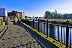 Reflexiones en la orilla 5, en Gainsborough, Lincolnshire fotos de archivo libres de regalías