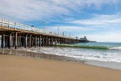 Reflexiones a lo largo de Santa Cruz Beach Boardwalk fotografía de archivo