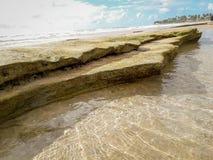 Reflexiones tropicales de la textura de la agua de mar en el Brasil fotografía de archivo
