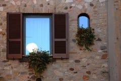 Reflexions-UNO das Fenster Lizenzfreie Stockfotos
