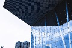 Reflexionsexponeringsglascurtainwall royaltyfria bilder