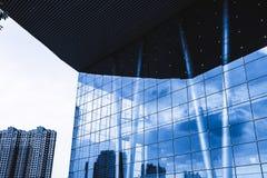 Reflexionsexponeringsglascurtainwall royaltyfri foto