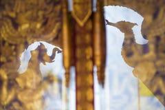 Reflexionskonst av träskulptur Fotografering för Bildbyråer