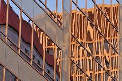 reflexionsskyskrapa Fotografering för Bildbyråer