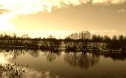 reflexionsvatten arkivbild