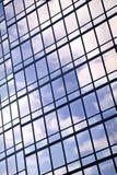 reflexionsverticalfönster royaltyfri bild