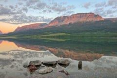 Reflexão Flattop do leste da montanha Imagem de Stock