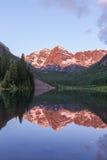 Reflexão marrom do nascer do sol de Bels Fotos de Stock